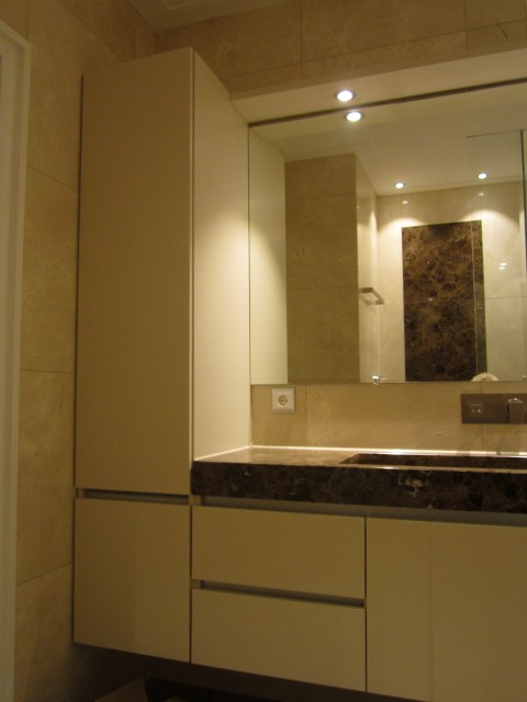 10-Bathroom New